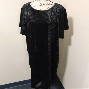 Torrid Black Crushed Velvet Short Sleeve Dress